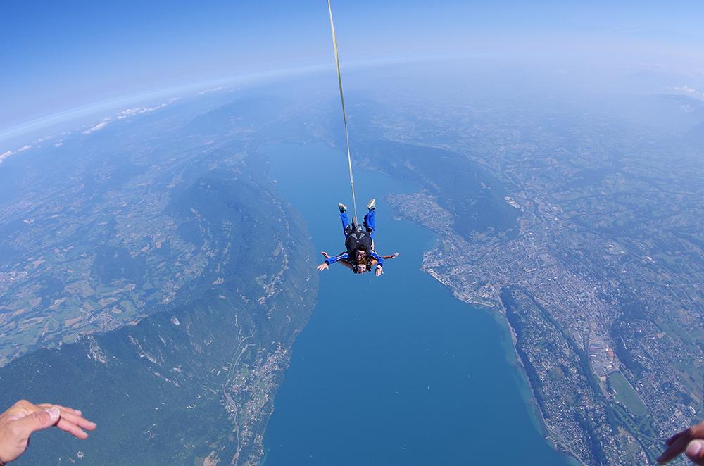 Saut en tandem au dessus du lac du Bourget